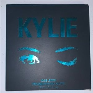 Kylie jenner pressed powder palette